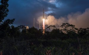 The Telegraph: Softbank loses £380m stake in OneWeb as British satellite start-up races to get launches off the ground